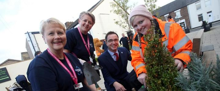 Operation Spruce Up goes dementia friendly - mobile version