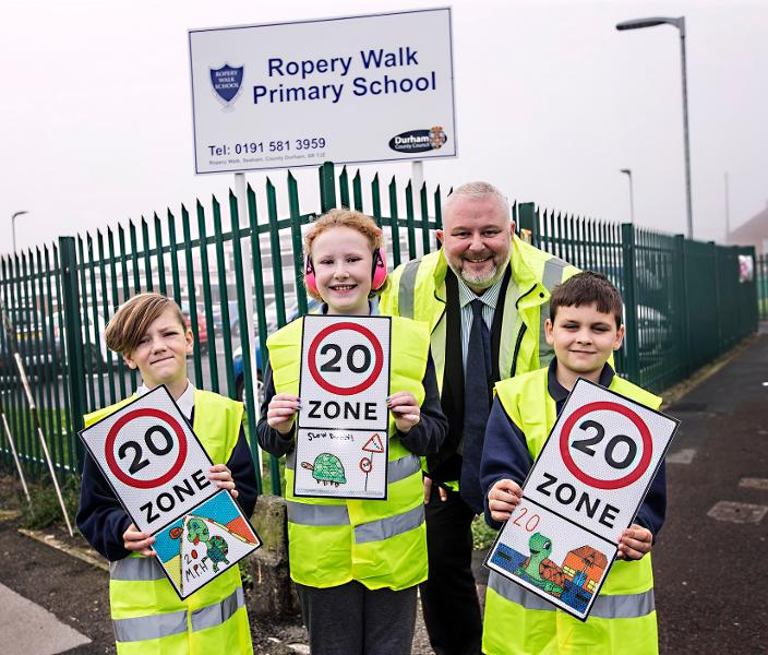Slow to 20 Ropery Walk
